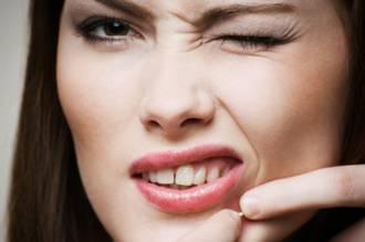 Que curar los granos enconados sobre la persona a la mujer