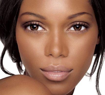 Los secretos en maquillaje para chicas de piel oscura ...
