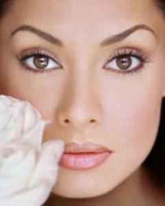 Maquillaje natural  241x300 Recetas naturales para mantenerte siempre bella
